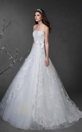 A-Line Long Strapless Sleeveless Lace-Up Lace Dress With Bow And Appliques