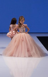 Delicate Pink Tulle Flowers Girl Pageant Dress 2018 Sweep Train