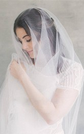 Simple Romantic Tulle Long Wedding Veil