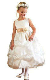 Sleeveless A-line Dress With Flower and Ruffles