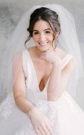 Cute Fluffy Short Tulle Wedding Veil
