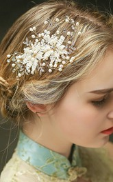 Beautiful Western Style Style Freshwater Pearl Crystal Three-dimensional Flower Braided Hair Comb