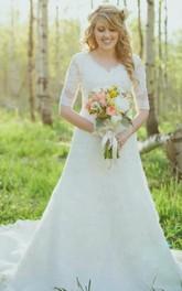 Half Sleeves V-neck A Line Lace Vintage Wedding Gown
