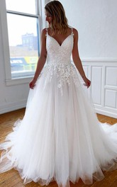 Lace Tulle Court Train Ball Gown Sleeveless Casual Wedding Dress with Appliques