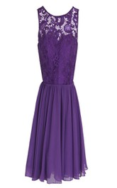 Sleeveless Short Dress With Lace Appliques