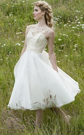 Short Scoop Appliqued Sleeveless Chiffon Wedding Dress