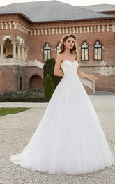 Floor-length Sweetheart Appliques Lace-up Tulle Dress