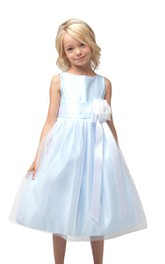Sleeveless Bateau-neck Dress With Flower and Pleats