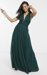 Sexy Sleeveless And Straps Back With Ruching Plunging Neckline Bridesmaid Dress