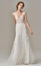 Elegant V-neck Lace Tulle Sheath Sleeveless Floor-length Wedding Dress with Appliques