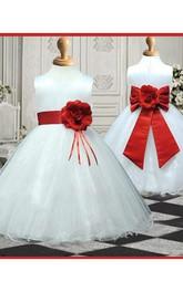 A-line Scoop Sleeveless Hand-made Flower Floor-length Organza Flower Girl Dresses