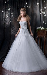A-Line Long Sweetheart Sleeveless Lace-Up Tulle Dress With Appliques And Bow