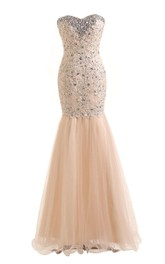 Sweetheart Trumpet Gown With Appliques and Beadings