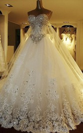 Watteau Train Luxury Strapless Sweetheart Wedding Dress With Train And Beading And Lace Appliques