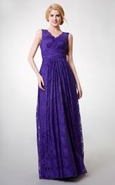 Long Sleeveless V-neck Sheath Lace Bridesmaid Dress