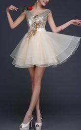 Glittering V-Neck A-Line Appliques Sequins Short Prom Dress