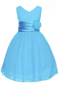 Sleeveless V-neck A-line Dress With Pleats and Flower