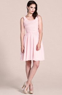 Sleeveless Chiffon Dress With Scoop Neck