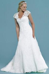 Cap-Sleeve V-Neck Appliqued Long Lace Wedding Dress