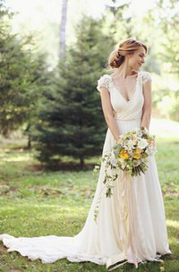 Modern V-neck Chiffon Flowers Wedding Dress 2018 Sweep Train
