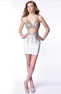 V-Neck Sheath Sequined Short Homecoming Dress With Keyhole Back