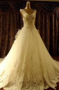 High Quality Court Train V-neck Beading Wedding Dresses