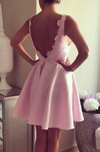 V-neck Short A-line Knee Length Dresses with Applique Sleeveless