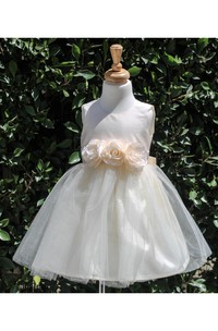 Scoop Neck A-line Pleated Knee Length Tulle Dress With Flowers and Bow